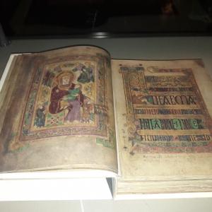 Dublin - The Book of Kells ou Le Livre de Kells », la plus ancienne bible au monde du début du IX e siècle