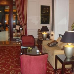 restaurant atrium hotel corinthia