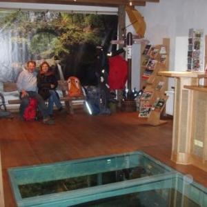 moulin restaure mullerthal avec mr baden et nathalie gregoire de l office régional du tourisme mullerthal petite suisse luxembourgeoise