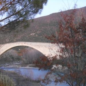 Nyons - pont roman