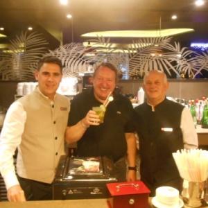 playa de palma - hotel riu bravo - david et luis au bar