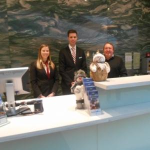 Hotel Marriott - reception avec Julie et collegue