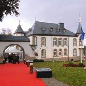 Chateau entree