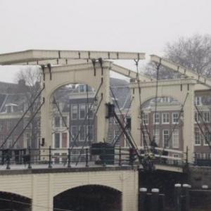 magere brug - pont maigre peint par van gogh