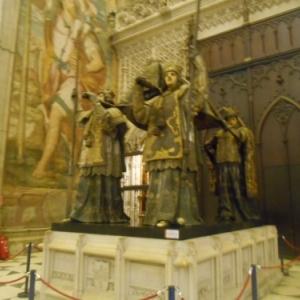 Sevilla cathedrale - tombeau de christophe colomb