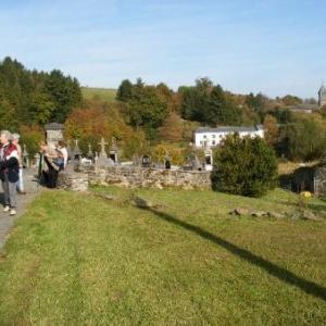 Cowan: le lieu de repos des anciens Houffalois; au fond, Vissoule