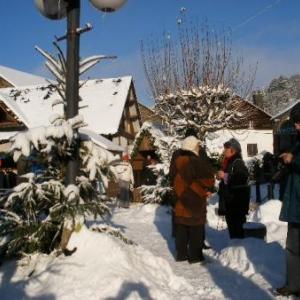 Le seul souk du monde sous la neige. Les chalets pour l'UNICEF, rendez-vous annuel convivial de decembre.