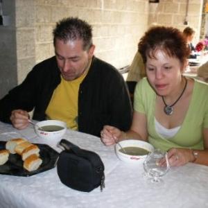"""vrienden van Scherpenheuvel eten smakelijk een lekkere netenspoep (soupe """"aux couchaates"""")"""