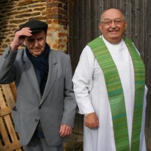 """L'accueil. Deux Robert. Monsieur le Cure et """"Batemme""""."""