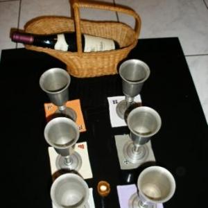 44. petits sous-verre, ou sous- bougeoir, ou pour petits vases, avec broderie masloul: 1 euro chacun, 6 de couleur identique pour 5 euros
