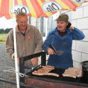 patrice collette et pierre renson, au barbecue
