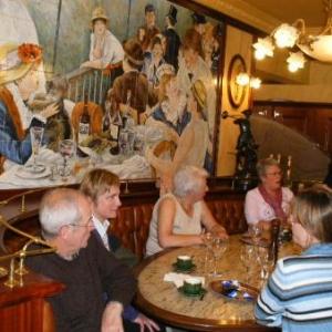 Le GSARA aux serres de Laeken, le 4 mai 2010: A table!