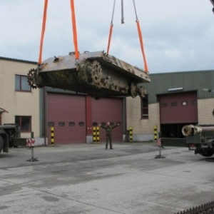 Ankunft in Bastogne, Renovierungswerkstatt der belgischen Armee. Foto: Philippe Jaeger Elias Chief Research Officer.