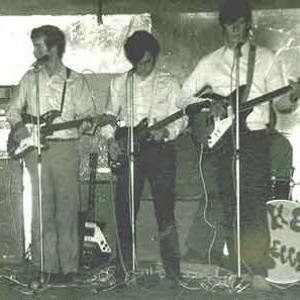 Photo illustration. Un orchestre contemporain des Rolling Stones, The Beggars (Houffalize 1966):  Marc Tagnon (orgue), Philippe Tillière (guitare), Jean-Marie Lesage (guitare), Georges Lesnino (guitare), Alain Wathelet (+) batterie.
