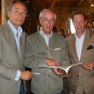 Benoit Petit, president du Royal Saint-Hubert Club (a droite) et ses collegues, tout en decontraction.