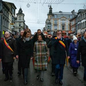 """""""Parade"""" à Bastogne, entre la Première ministre Sophie Wilmès et le Bourgmestre Benoît Lutgen. 19.12.2020."""