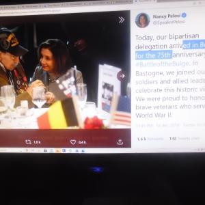 Avec un vétéran. Bastogne, 19.12.2020. Extrait du site propre de Nancy Pelosi, présidente de la Chambre des USA.