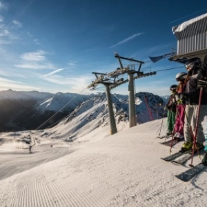Sports d'hiver à Davos Klosters : neige garantie et très large offre (gratuite)