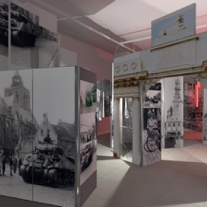 """Exposition polonaise """"Les ailes blindées""""  au Musée Royal de l'Armée à Bruxelles"""