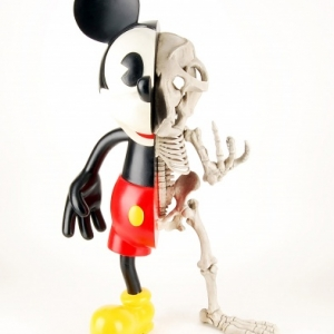 se-rie-22mickey-is-also-a-rat-22-micky-fucky-2010-c-photo-fabrice-bertin-maghit-c-nicolas-rubinstein-c-bye-bye-future-mariemont