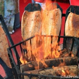 Delicieux, le saumon finlandais cuit au feu de bois (c) Sabrina Salzano
