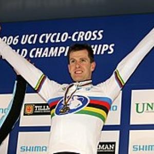 Erwin Vervecken, triple Champion du Monde de Cyclo-Cross, present a la Conference de Presse