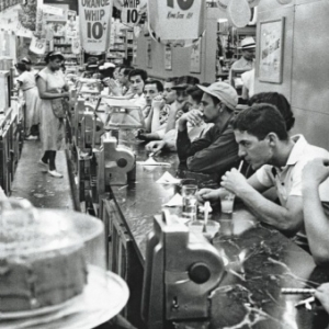 """""""Drug Store""""/Detroit (c) Robert Frank/""""MacGill Gallery""""/""""Maison Europeenne de la Photographie"""""""