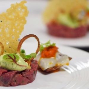 """Presentation d un plat de la """"Maison Gersdorff"""", a Jambes, au """"Restaurant de  la Plage d Amee"""""""