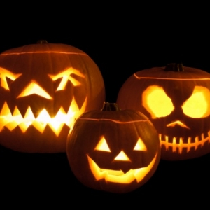 """""""Jack-O'-Lanterns"""" (c) """"Lost in the USA"""""""