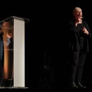 """Traduction en langue des signes du spectacte de Krystoff Fluder (c) Marie-Christine Paquot/""""EOP"""""""