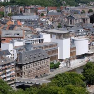 Facade saisissante dans le paysage subtil de Namur (c) DR/SAMYN/Province de Namur/Veronesi