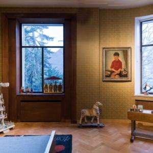 """La Chambre d Enfant, avec le """"Portrait d Olivier"""" de Rodolphe Strebelle (c) Lola Pertsowsky"""