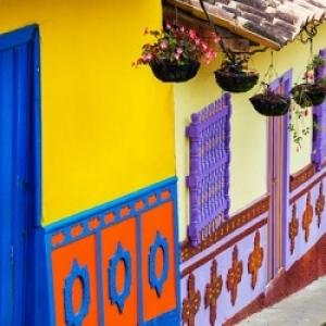Carthagene des Indes, toute en couleurs