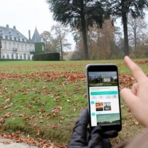 """Utilisation de l application devant un site de tournage, en Wallonie (c) """"Wallywood"""""""
