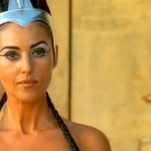 """Monica Belluci, dans le role de Cleopatre, en 2002? """"Magritte d Honneur"""" 2020"""