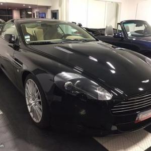 "Chez (c) ""Aston Martin"""