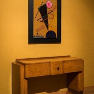 "Chambre de Monsieur, avec ""Contact"" (1924), de Wassily Kandinsky (c) Lola Pertsowsky"