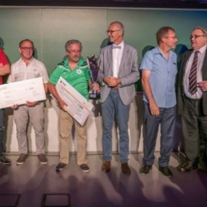 Soiree du Sport 2018, avec Jean-Marc Van Espen (et son noeud papillon) : remise d une bourse a un club