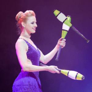 Lena Smaha (Republique tcheque), une talentueuse jongleuse