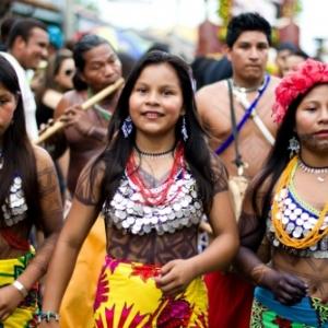 Jeunes-Filles Ticuna , Tous droits reserves