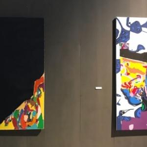 Les deux premieres Oeuvres exposees, devoilant 40 ans d evolution stylistique de (c) Luis Salazar