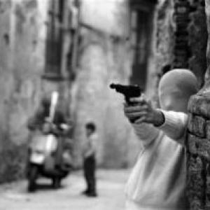 """""""Shooting the Mafia"""" (Kim Longinotto), Prix europeen """"Director s Week"""" du Public"""