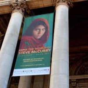 """Palais de la Bourse (c) Steve McCurry & """"Memoscope"""""""