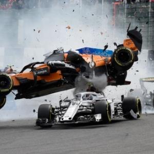 Rencontre entre Fernando Alonso et Charles Leclerc, sur le circuit de Spa-Francorchamps (c) John Thys