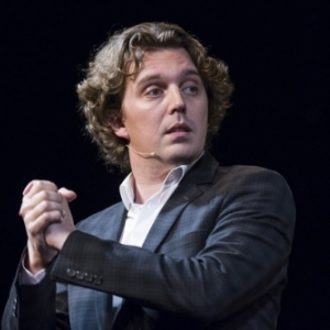 """Alex Vizorek, presentateur des 9emes """"Magritte du Cinema"""" (c) """"L Avenir"""""""