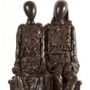 """""""Mannequins coloniaux"""" (Giorgio de Chirico/1969/49 x 26 x 38 cm) (c) """"SABAM Belgium 2019"""""""