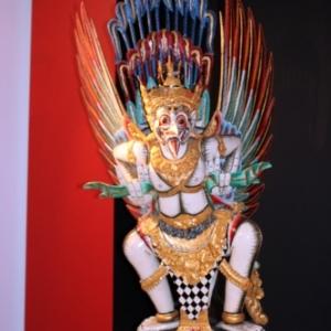 "Statue de ""Garuda"""