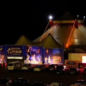 "Sur l Esplanade de la Citadelle (c) ""Festival du Cirque de Namur"""