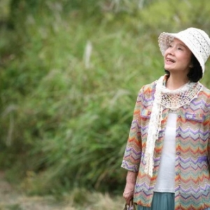 """Yun Junghee dans """"Poetry"""" (Lee Chang-dong), film laureat, en 2010, du """"Prix du meilleur Scenario"""", au """"Festival de Cannes"""""""