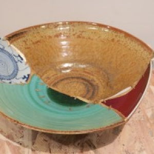 Porcelaine imitant une piece museale recolee